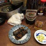 新宿のションベン横丁(思い出横丁)で、ウナギと焼きそばを食べてきた。